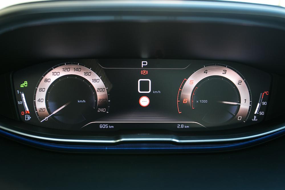 das innovative i-cockpit im peugeot 3008 - autogefühl
