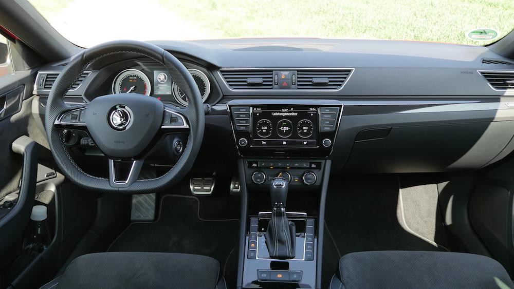 Skoda Superb SportLine Testbericht: der Superb RS? | Autogefühl