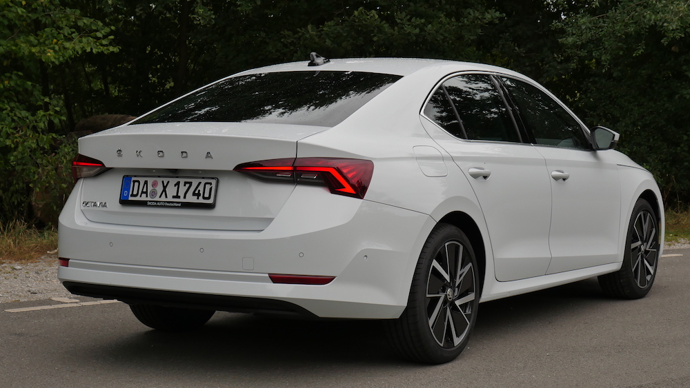Neue Skoda Octavia Limousine Fahrbericht 2021 Octavia ...