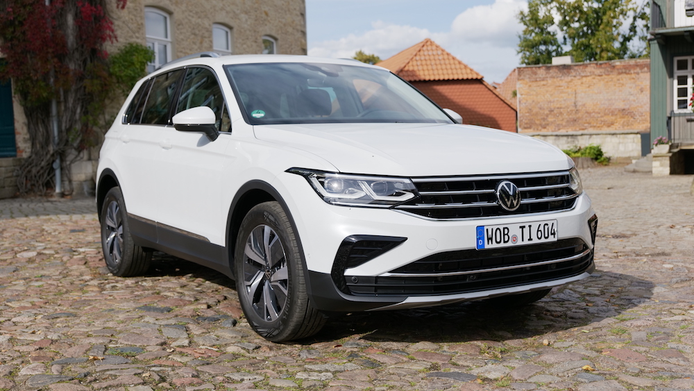 VW Tiguan Facelift Fahrbericht 2021 mit Tiguan R und ...